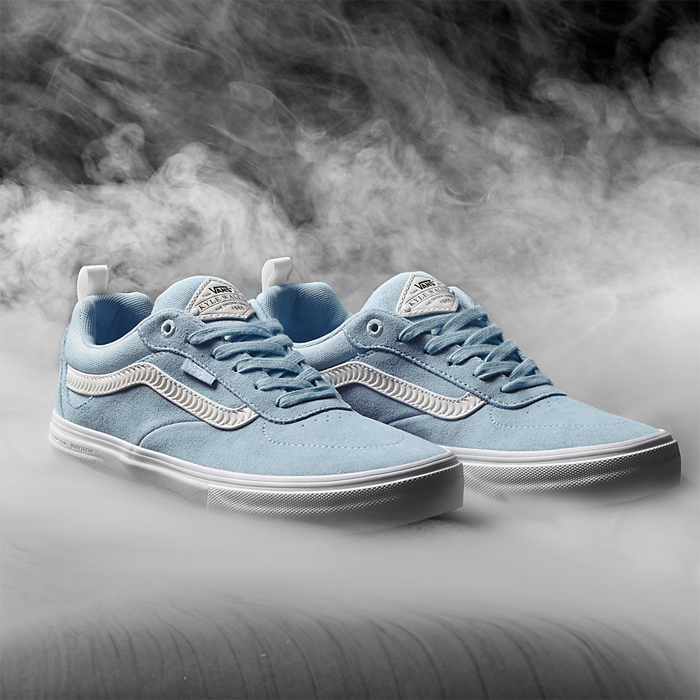 47c9a146c37 Anthony Van Engelen s AV Rapidweld Pro is every bit as robust as you would  expect for a shoe backed by The Champ. Featuring a Vans Pro Skate Waffle  outsole ...